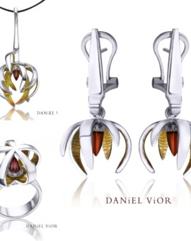 Ceropegia Silver Handmade Garnet Collection by Daniel Vior