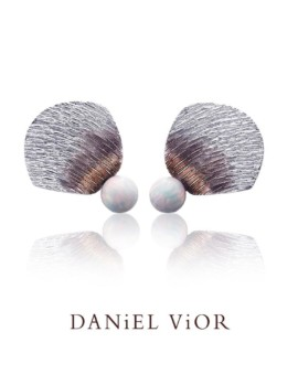 Clino Handmade Opal Silver Earrings by Daniel Vior