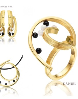 Quias 18ct Gold Handmade Opal Collection by Daniel Vior