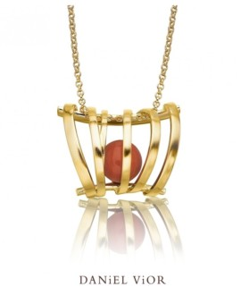 Asir Handmade 18ct Gold Coral Necklace by Daniel Vior