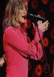 Jennifer Nettles wears the Neon Panther and Paw on 'The Ellen DeGeneres Show'