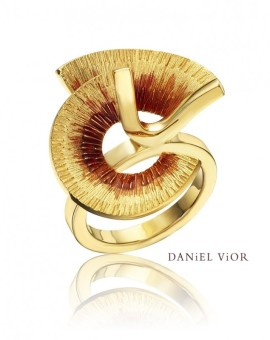 Apoaxis Handmade 18ct Gold Ring by Daniel Vior